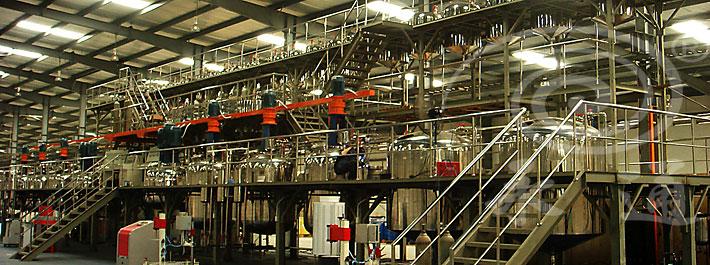 四川永通机械为绵阳某客户定制的大型乳胶漆成套设备