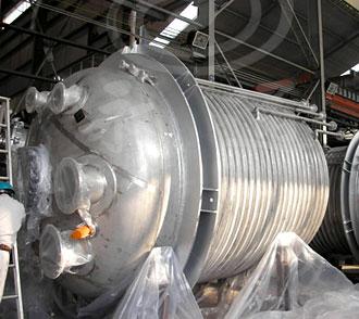 德阳某化工厂定制的6000L外盘管蒸汽加热不锈钢反应釜